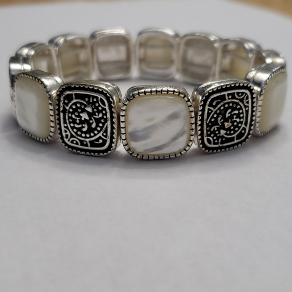 Monet Bracelet - Mother of Pearl